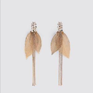 NWT Zara Jewel Leaf Dangle Earrings